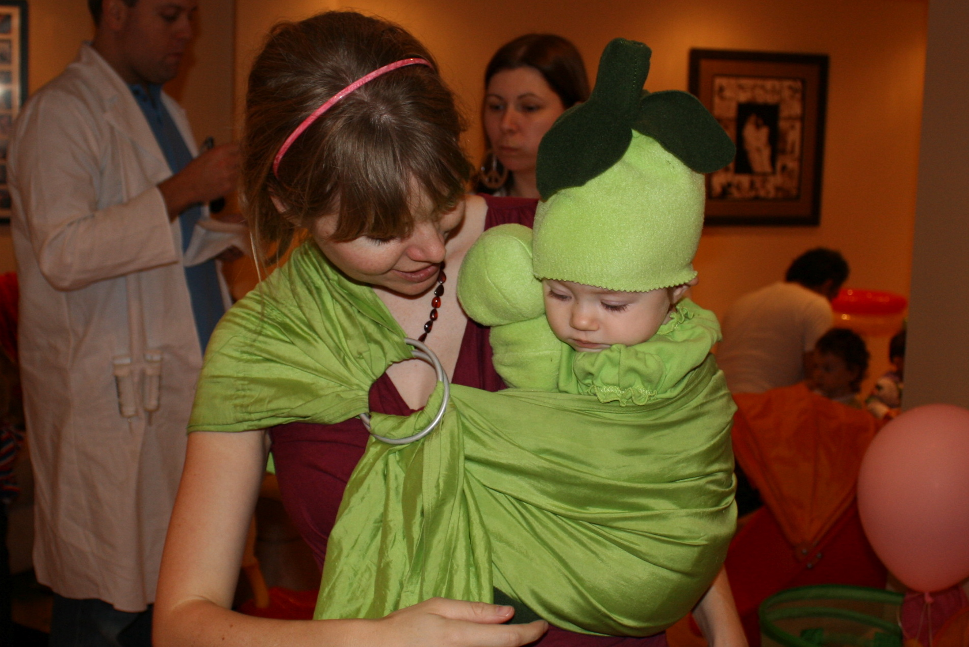 10 Best Babywearing Costumesergobaby Blog Ergobaby Blog
