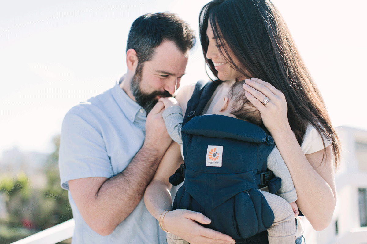 breastfeeding in baby bjorn